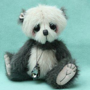 Small artist teddy bear   Cole