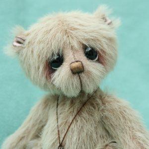 Small artist teddy bear | Mallow