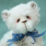 pipkins artist bear - icicle2
