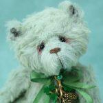 pipkins artist bears pine cone 1