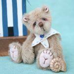 pipkins miniature artist bear - thomas2
