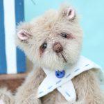 miniature artist bear Thomas by pipkins bear