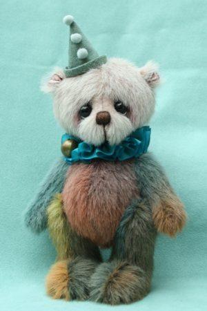 Medium artist bear | Murphy