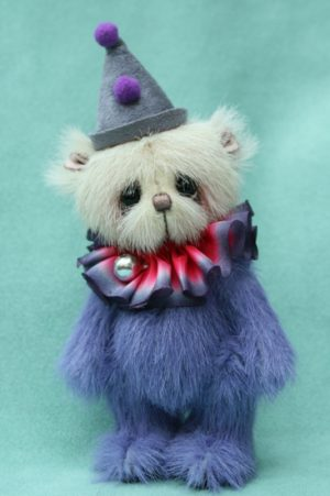 Miniature artist bear | Poe