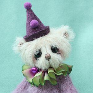 Miniature artist bear   Porter
