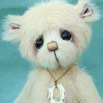 Small artist bear   Custard