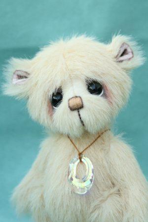 Small artist bear | Custard