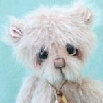 Miniature artist bear | Pendleton