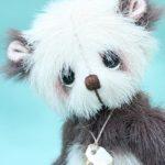"Miniature artist bear | wǒ xiǎng nǐ - ""I miss you."""