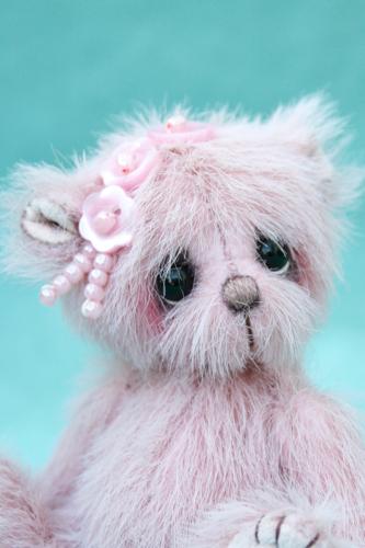 Miniature artist bear   alice
