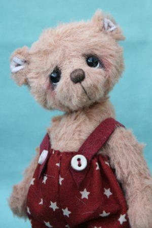 Small Artist teddy bear   Jerry