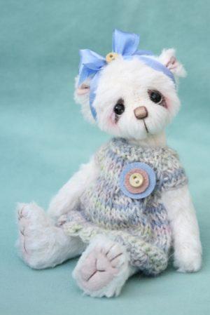 Small Artist teddy bear   Jessica