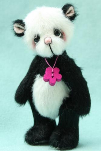 Miniature Artist Bear | Lotus