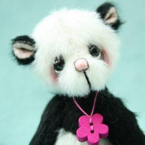 Miniature Artist Bear   Lotus