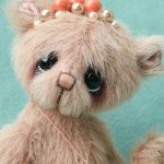 Artist teddy bear - Queen - designed and created by Jane Mogford of pipkins bears