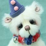 artist bear by Jane Mogford of Pipkins bears