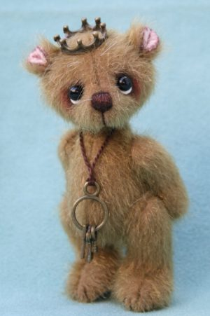 miniature artist bear by pipkins bears