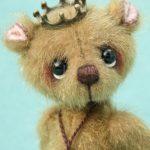 miniature artist bear by pipkins bears