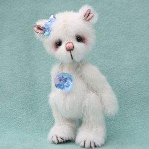 Pipkins miniature bear