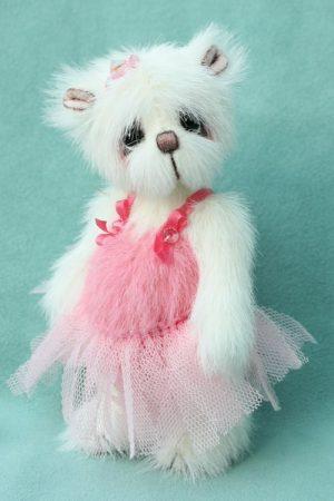 Ballerina bear - Artist teddy bear created by Jane Mogford of Pipkins Bears