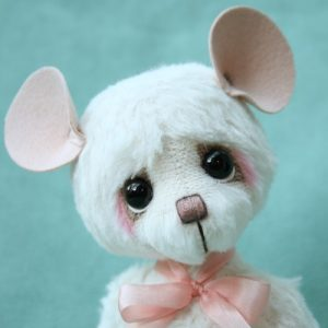 Blanco the Mouse Artist teddy bear friend created by Jane Mogford of Pipkins Bears