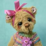 Artist teddy bear created by Jane Mogford of Pipkins Bears