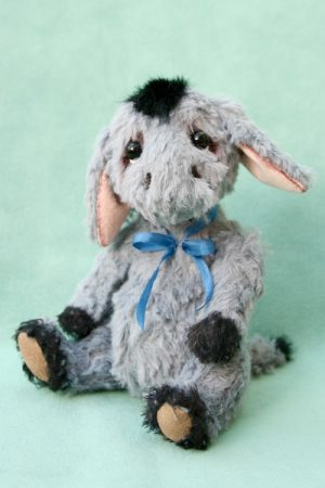 donkey Artist teddy bear friend - Donkey created by Jane Mogford of Pipkins Bears