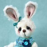miniature artist bunny by Pipkins Bears