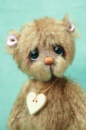 artist bear created by Pipkins bears