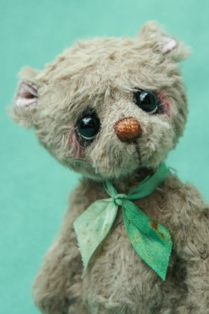 artist teddy bear created by Pipkins bears
