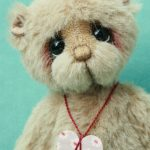 artist bear created by Pipkins bears