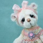 Loretta - small artist bear