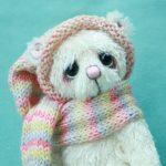 Lottie , small artist bear by Jane Mogford of Pipkins Bears