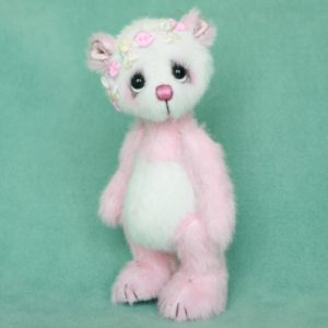 Confetti , miniature artist bear by Jane Mogford of Pipkins Bears