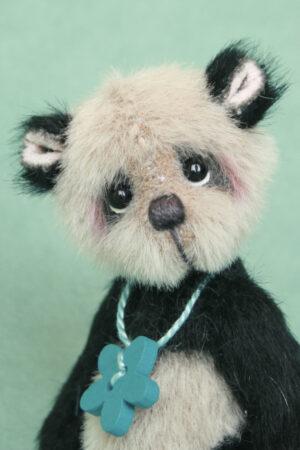 Anniu (button)- miniature by Pipkins bears